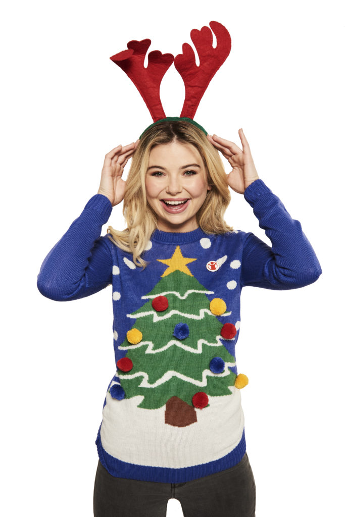 8d40a76077e063 CELEBS compete in Christmas jumper challenge for Save the Children ...