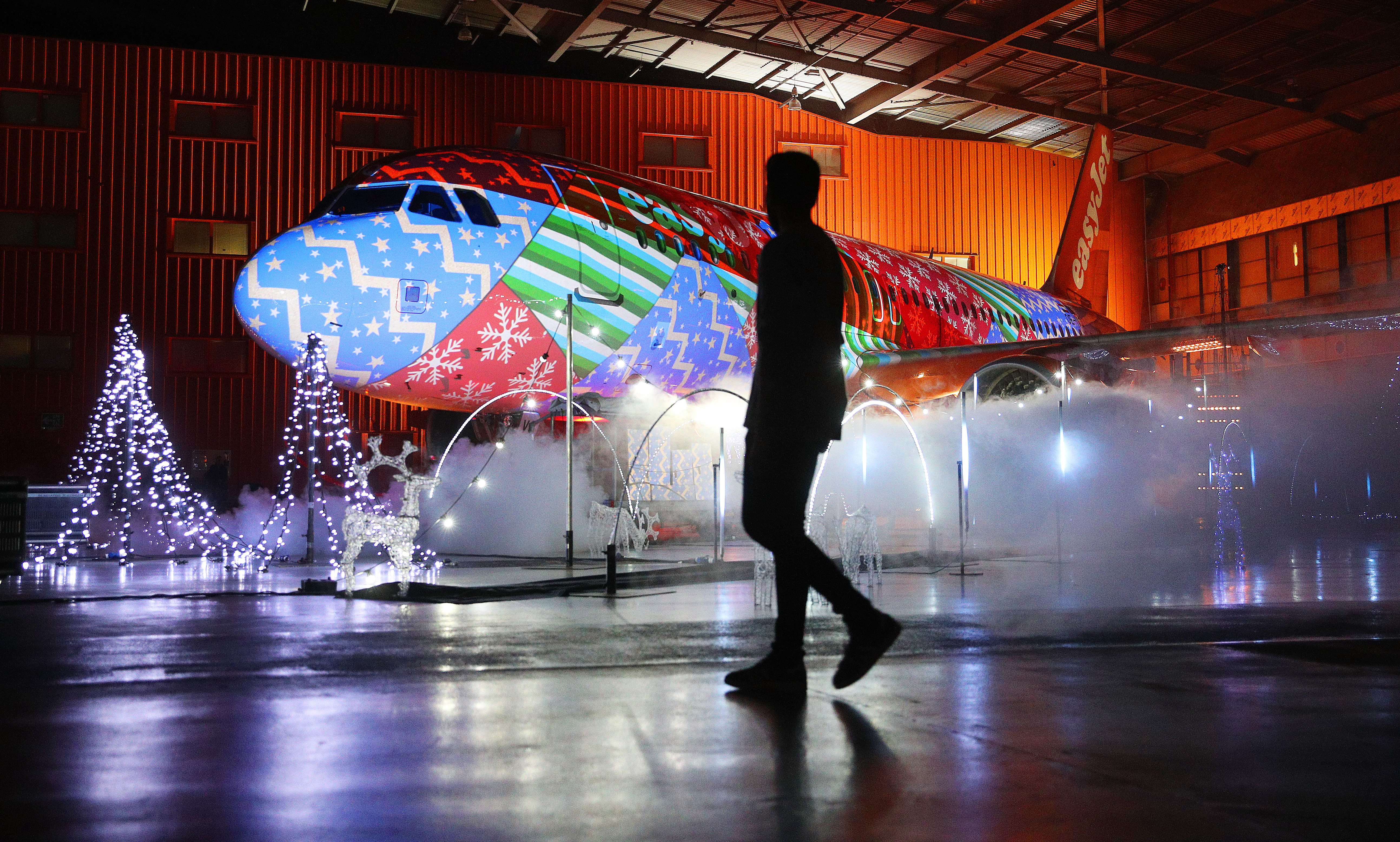 World S Biggest Christmas Lights Show On A Plane Takes
